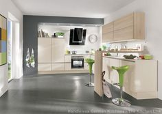 Handleless kitchens in London, Kent and UK. Flush fitting kitchen doors and drawer fronts, The LINE N collection from Nobilia at The Kitchen Link. Nobilia Kitchen, Family Kitchen, Kitchen Doors, Kitchen Living, Gloss Kitchen, Kitchen Ideas, Furniture Styles, Home Furniture, Studio