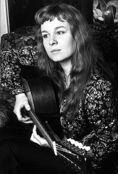 Sandy and her 12-string.
