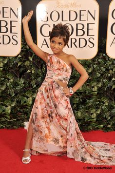 Mini Halle Berry