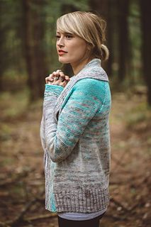 Please enjoy 15% off of this pattern with the coupon code DREA until 10/13/17 at midnight EST! And don't forget to snag your customized kit from La Bien Aimée on Friday the 13th at 5 pm EST!!