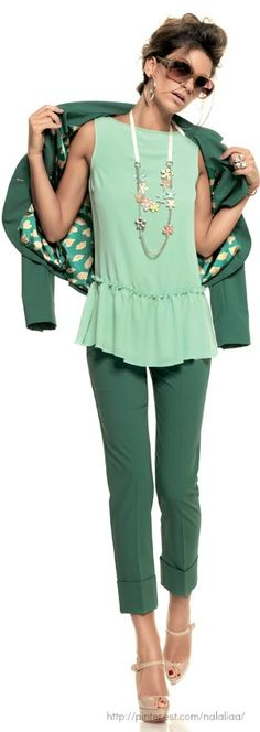 Green shades and Denny Rose. 50 Fashion, Spring Fashion, Fashion Beauty, Fashion Looks, Womens Fashion, Winter Office Outfit, Office Outfits, Casual Outfits, Denny Rose