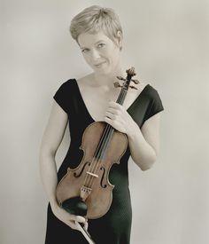 http://artsmg.com/Strings/IsabelleFaust/Isabelle2.jpg