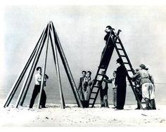Kazuo Shiraga, Dozo ohairi kudasai (Please Come in), 1955, The Experimental Outdoor Modern Art Exhibition to Challenge the Midsummer Sun (1st Gutai Open Air Exhibition), 1955,