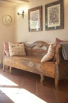 Inspire Bohemia: Fantastic Foyers - what a great bench!!!  Lots of inspiring ideas for entryways on this post.