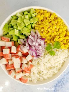 Sałatka z paluszkami krabowymi | AniaGotuje.pl Cobb Salad, Lunch, Food, Meal, Eat Lunch, Essen, Hoods, Meals, Eten