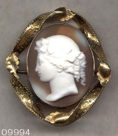 CAMEO Brooch Hand Carved Shell in Twist Frame