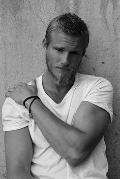 Alexander Ludwig - The Viking My Shoulder Hurts, Abercrombie Models, Bad Boys, Canadian Men, Hommes Sexy, Hot Actors, Raining Men, Athletic Men, Fine Men