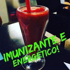 Se você usar os morangos congelados seu suco vai ficar cremoso igual a esse aí!!! Ficou delicioso e muito refrescante! MORANGO  LIMÃO! Simples assim... #Saúde #Juicy #OrganicFood #AlimentaçãoSaudável #ReceitadeSucoDetox #ReeducaçãoAlimentar #InstaJuice #AlimentacaoSaudavel #Detox #SucoDelicia #SucodoBem #SucoVerde #Suco #AlimentaçãoSauavel #SucoSaudavel #DetoxdoBem #InstaHealth #ReeducacaoAlimentar #BomDia #SucoDelícia #LeveSucos #SucoSaudável #Suco3D #SucoDetox #InstaLight #InstaFood…
