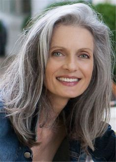 Hairstyles Over 50, Older Women Hairstyles, Cool Hairstyles, Scene Hairstyles, Hairstyles Haircuts, Gorgeous Hairstyles, Bob Haircuts, Grey Hair Over 50, Long Gray Hair