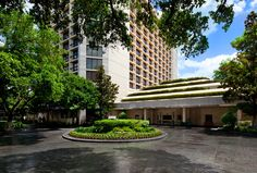 Don't let the unassuming exterior of The St Regis Houston fool you. After checking it out for myself, the hotel is every bit of the luxury and refinement you