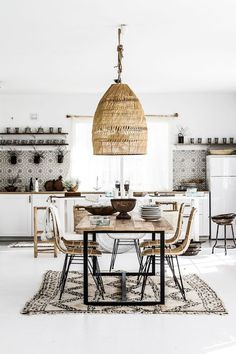 Bohemian Interior Design You Must Know Design Rustic Scandinavian Dining Chic Modern Luxury Vintage Decorating DIY Colors Dark Boho Bedroom Living Room Minimalist Eclectic Style Gipsy Decoration Urban Outfitters Restaurant Art Livingroom Natural Beach T Decor, Home Interior Design, Rustic House, House Interior, Bohemian Kitchen, Dining Room Design, Interior, Bohemian Interior Design, Interior Design Kitchen