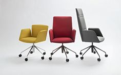 """Vela, designed by Lievore, Altherr and Molina for Tecno, category Design for Work. Compasso d'Oro """"for a research that ends in an elegant, light, solid and tecnological product, integrating brilliantly ergonomics and aesthetics"""""""