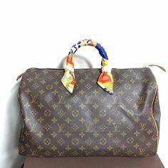 6f5225ee0093 Salvatore Ferragamo Shoulder Bag Authentic Leather Salvatore ...