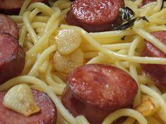 Macarrão Alho e Óleo com Calabresa: Rápido e sem stress! Prepare um delicioso macarrão para hoje!