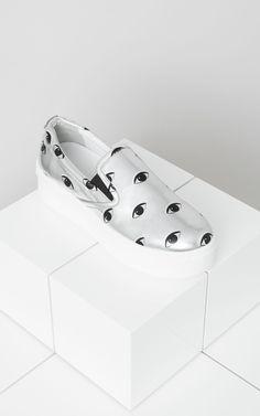 #Kenzo'nun metalik platform #sneaker'ı ile tüm gözler ayaklarınızda olacak!  https://www.mosmoda.com.tr/product/kenzo-40mm-eyes-sneakers-bhd45452
