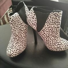 Black and white booties Snow Leopard print black and white booties JustFab Shoes Heeled Boots
