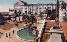 1868 - Vale do Anhangabau. Ao fundo o Theatro São José que cedeu lugar ao Edifício Alexandre Mackenzie (atual Shopping Light) na esquina do viaduto do Chá com rua Xavier de Toledo.