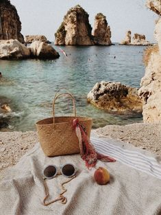 Instaworthy Crete (Greece) Itinerary (With a Map) Beach Aesthetic, Summer Aesthetic, Beauty Dish, Kelsey Rose, Greece Itinerary, Beach Please, Big Butts, Harpers Bazaar, Plein Air