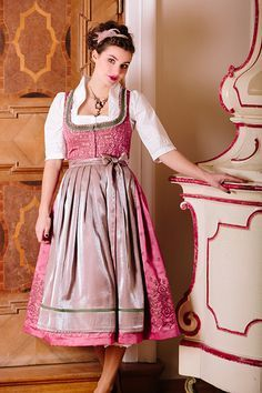 Herbst-Winter 2015 ‹ Melega Fashion Oktoberfest Outfit, Flattering Dresses, Sexy Dresses, Folk Fashion, Womens Fashion, German Fashion, Romantic Outfit, Mode Outfits, Traditional Dresses