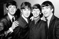 The Beatles foi uma banda de rock britânica,que se formou em Liverpool em 1960. É o grupo musical mais bem-sucedido que revolucionou o mundo musical, deixando as miúdas da época loucas por eles!