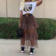old fashion candies Chill Outfits, Dope Outfits, Trendy Outfits, Fashion Outfits, Modern Outfits, Skirt Outfits, Black Women Fashion, Love Fashion, Autumn Fashion