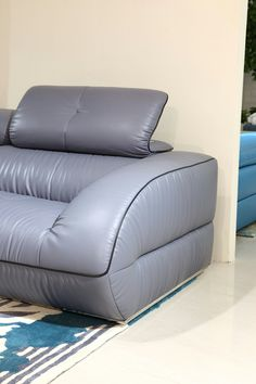 5 Surprising Cool Tips: Upholstery Sofa Yards upholstery projects car seats.Upholstery Texture Green upholstery cleaning how to remove. Paint Upholstery, Living Room Upholstery, Upholstery Repair, Upholstery Cushions, Sofa Pillows, Upholstery Cleaner, Corner Furniture, Modern Leather Sofa, Furniture Slipcovers