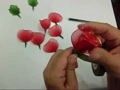 FREE VIDEO TUTORIAL ~ Tutorial Rosa de Nylon - How to make a nylon flower: Rose