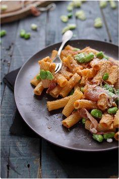Pastasotto aux fèves et jambon cru