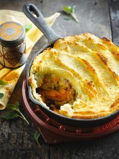 Gratin van pompoen, gehakt en aardappelpuree http://njam.tv/recepten/gratin-van-pompoen-gehakt-en-aardappelpuree