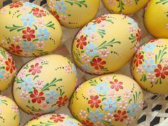 Real hand-painted Easter eggs - set of 6 eggs Egg Crafts, Easter Crafts, Spring Crafts, Holiday Crafts, Happy Easter, Easter Bunny, Easter Egg Designs, Ukrainian Easter Eggs, Diy Ostern