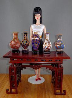 Set of 5 Cloissone Vases for Scale FR, Barbie, Poppy Parker Doll Displays Barbie Fashion Royalty, Fashion Dolls, Vases, Tiny Furniture, Doll Display, Barbie Dolls, Pink Barbie, Miniture Things, Doll Accessories