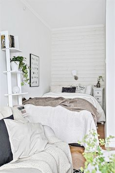 tiny bedroom, BIG impact