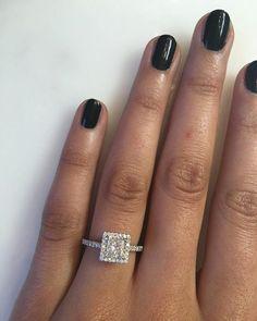 In love with this #engagementring  #diamondring #diamondjewellery #goldjewellery #gold #inlive #wedding #ido #bride #diamonds