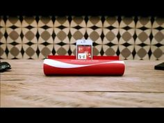 JWT turns a magazine into an amplifier for Coca-Cola FM