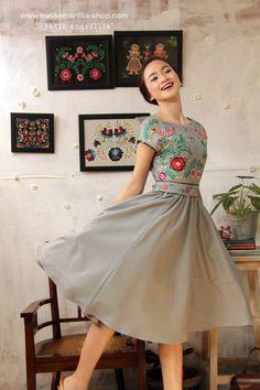 Our Iconic Series. Batik Amarillis' hey day dress in . - Magyar népművészet mai megjelenése - Our Iconic Series. Batik Amarillis' hey day dress in spectacular Hunga - Lovely Dresses, Day Dresses, Dress Outfits, Prom Dresses, Vestido Batik, Batik Dress, Cute Spring Outfits, Pretty Outfits, The Dress