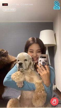 Love you Jennie 😚😚 Yg Entertainment, South Korean Girls, Korean Girl Groups, K Pop, Blackpink Members, Jennie Kim Blackpink, Blackpink And Bts, Blackpink Photos, Blackpink Fashion