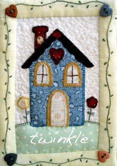 TWINKLE PATCHWORK House Quilt Block, Quilt Blocks, Small Quilts, Mini Quilts, Patch Quilt, Applique Quilts, Fabric Postcards, Miniature Quilts, Art Textile