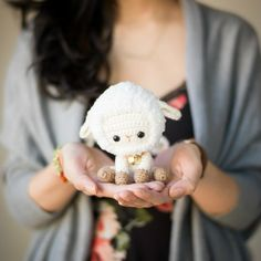 Crochet your own sweet little lamb or sheep to celebrate Chinese New Year! Full step-by-step blog post and FREE pattern available!