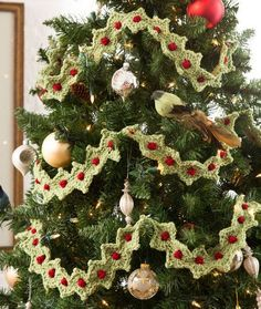 Christmas Tree Garland Free Crochet Pattern from Red Heart Yarns