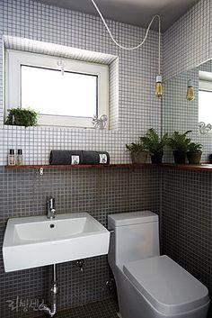 CHECK INN PLZ! : 네이버 매거진캐스트 Bathroom Toilets, Bathroom Kids, Bathroom Renos, Bathroom Renovations, Small Bathroom, Toilet Design, Bath Design, Tiny Bathrooms, Amazing Bathrooms
