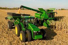 John Deere Equipment, Heavy Equipment, Farming Technology, John Deere Combine, New Tractor, Combine Harvester, Agriculture Farming, Ranch Life, John Deere Tractors