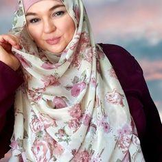 Handmade floral chiffon hijab gift set handmade best Eid and Ramadan gifts Chiffon Shawl, Floral Chiffon, Ramadan Gifts, I Love You Mom, Bubblegum Pink, Black N Yellow, Eid, Classy, Stylish
