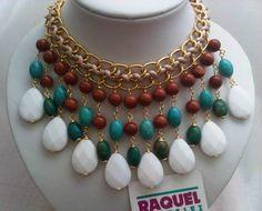 Glamoroso; elegante; a la Moda. Collar babero diseñado en piedras semipreciosas..!!