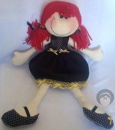 Bonequinha de pano Rebeca (a famosa boneca sorriso), em tecidos de algodão e enchimento siliconado e vem nessa versão fofa!