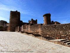 Eastern wall of the Oropesa's castle. Lienzo oriental del castillo de Oropesa.  http://photoxperiences.blogspot.com.es/2014/08/unusual-combat-insolito-combate-oropesa.html