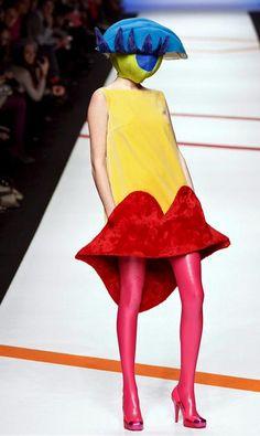 WTF Fashion. wha? #badfashion http://www.pinterest.com/TheHitman14/hey-ladies-please-dont/