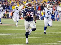 New England Patriots running back LeGarrette Blount (29) heads down field for a 75 yard touchdown run. (Matt Slocum/AP)