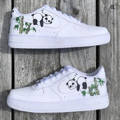 Panda Air Force The post Panda Air Force Bewerten Sie diese! Cop oder D appeared first on beste Schuhe. Custom Painted Shoes, Custom Shoes, Custom Af1, Sneakers Fashion, Fashion Shoes, Fashion Outfits, Nike Shoes Air Force, Air Force Sneakers, White Nike Shoes