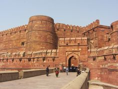 #AgraFort - One of the most #Beautiful creation of #Mughal period on the right bank of Yamuna. It was constructed by #Akbar .