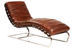 Taking inspiration from mid-century modern home furnishings, ourSt. James Chaiselounge bridgesbetween modern and vintage industrial design. Its antiqued cognac leather upholstery offers luxurious c